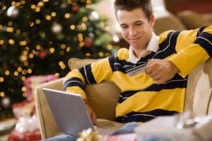 Geschenke im Internet kaufen Bildquelle: © Jupiterimages/Stockbyte/Thinkstock)
