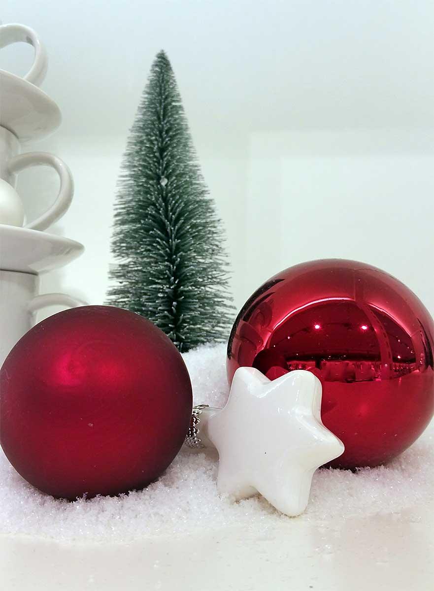 rote weihnachtskugeln christbaumkugeln jetzt kaufen. Black Bedroom Furniture Sets. Home Design Ideas