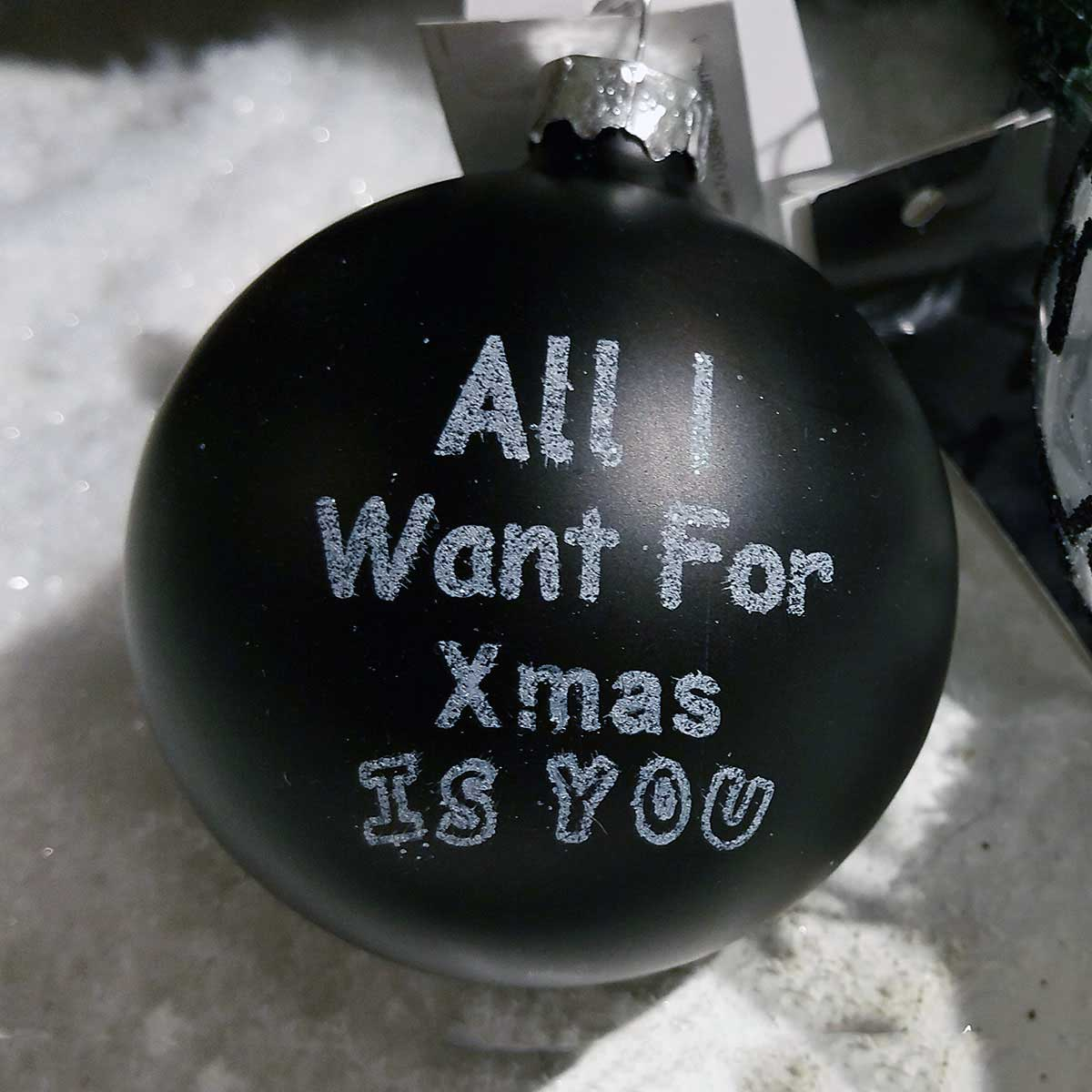 Weihnachtskugeln schwarz online bestellen sch n anders for Weihnachtsbaumkugeln schwarz