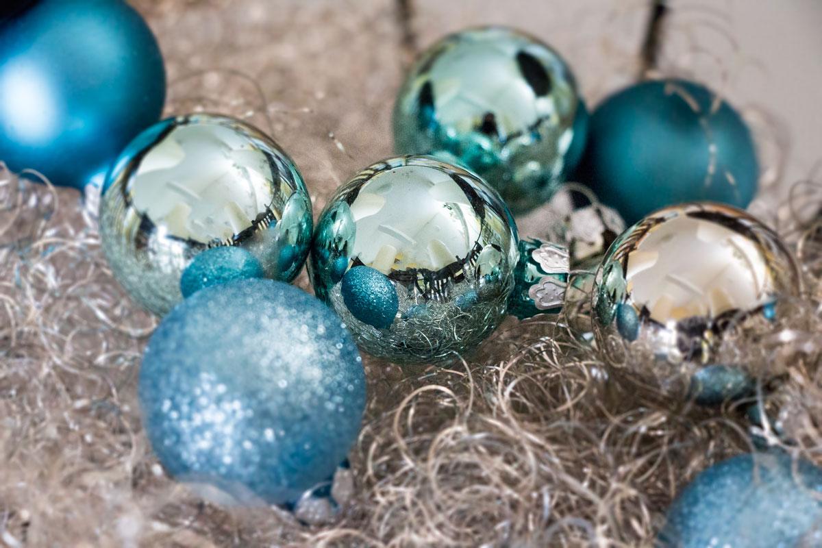Weihnachtskugeln f r den weihnachtsbaum und als deko for Weihnachtskugeln bilder