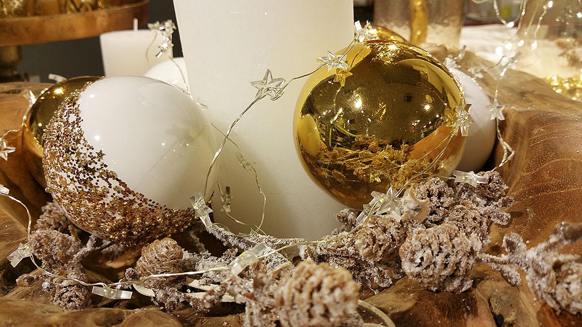 weihnachtskugeln gold traumhafte weihnachtsdeko online bestellen. Black Bedroom Furniture Sets. Home Design Ideas